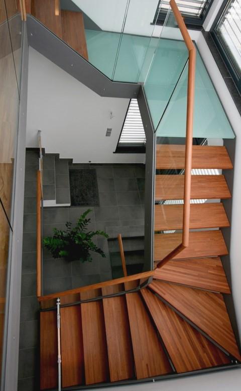 lineo step treppen zuverl ssiger partner f r den metallbau luxforge. Black Bedroom Furniture Sets. Home Design Ideas